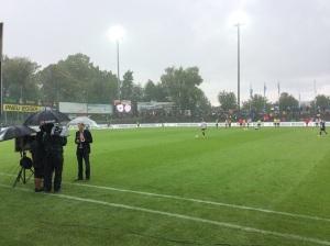 Heftiger Regen beim Spiel Aarau - Vaduz