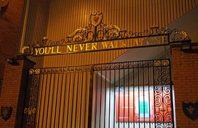 Das Stadion von Liverpool an der Anfield Road.